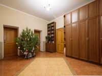 four-room house for sale 430 sq. m., 6 hundred parts Odessa
