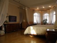 three-storied house for sale 807 sq. m., 15 hundred parts Odessa