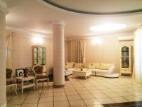 four-room house for sale 350 sq. m., 5.7 hundred parts Odessa