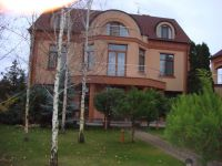 three-storied house for sale 850 sq. m., 49 hundred parts Kiev